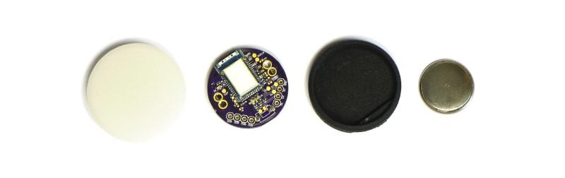 Alle Bestandteile des Mikrocontroller puck.js